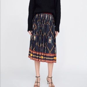 Zara chain print pleated midi skirt